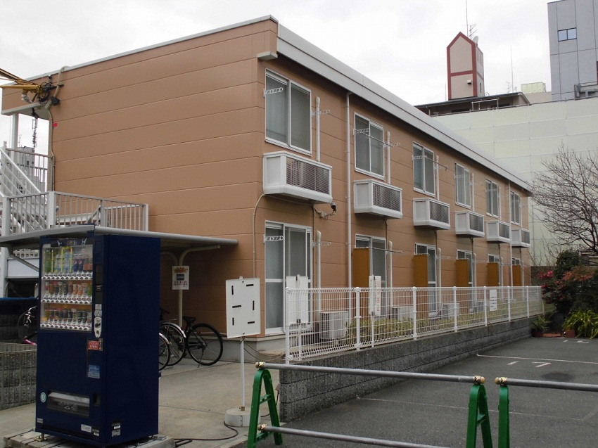 大阪府茨木市西駅前町